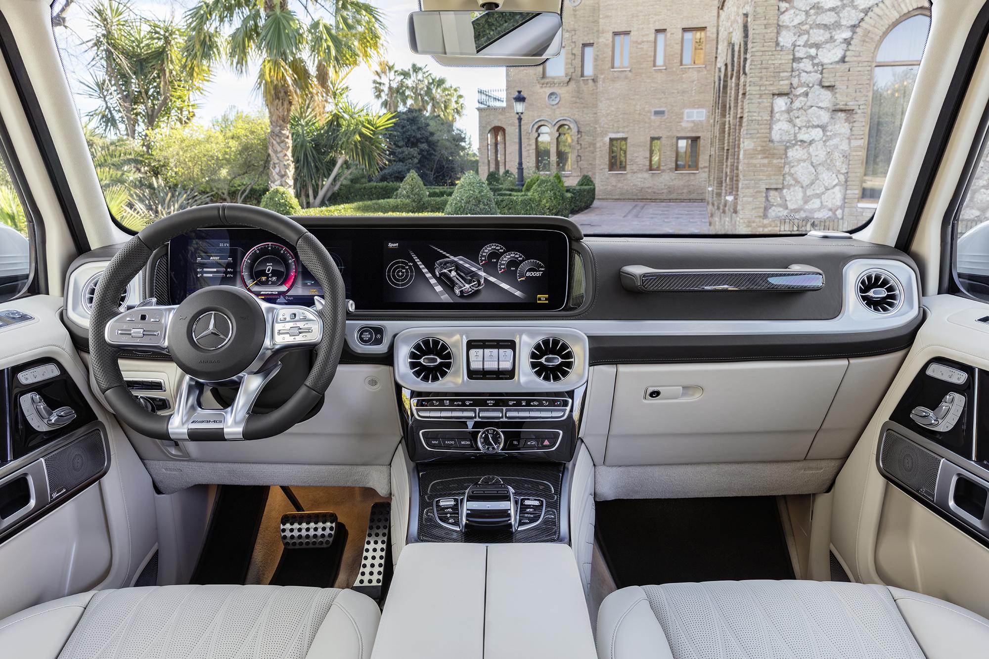 Mercedes-Benz vai apresentar, no Salão do Automóvel, a nova geração do jipe AMG G 63. Por mais de um milhão, motorista encontra tecnologia e robustez.