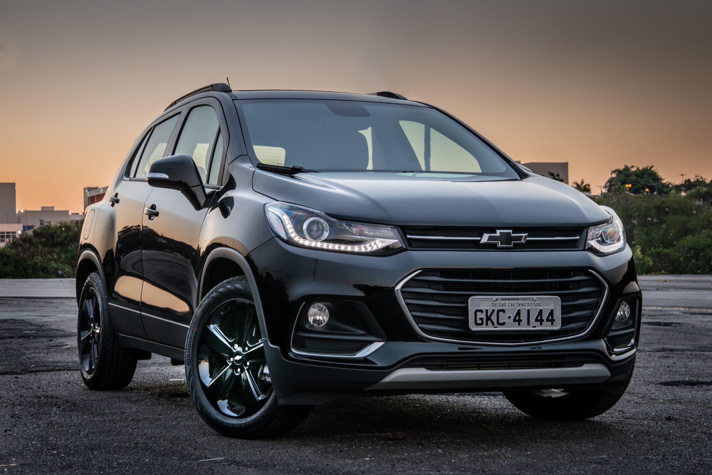 Chevrolet lança Tracker Midnight, versão 'black tie' do SUV