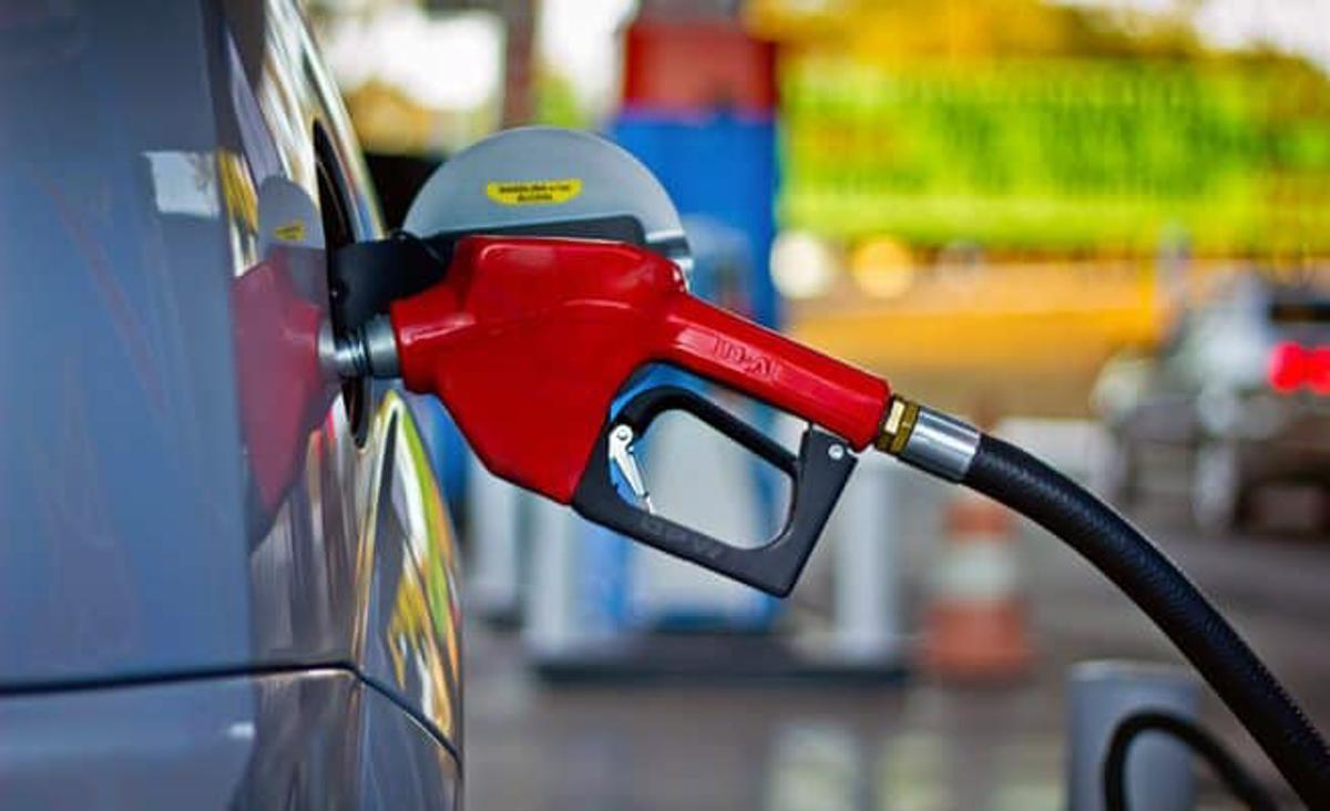 gasolina aditivada abastecer tanque