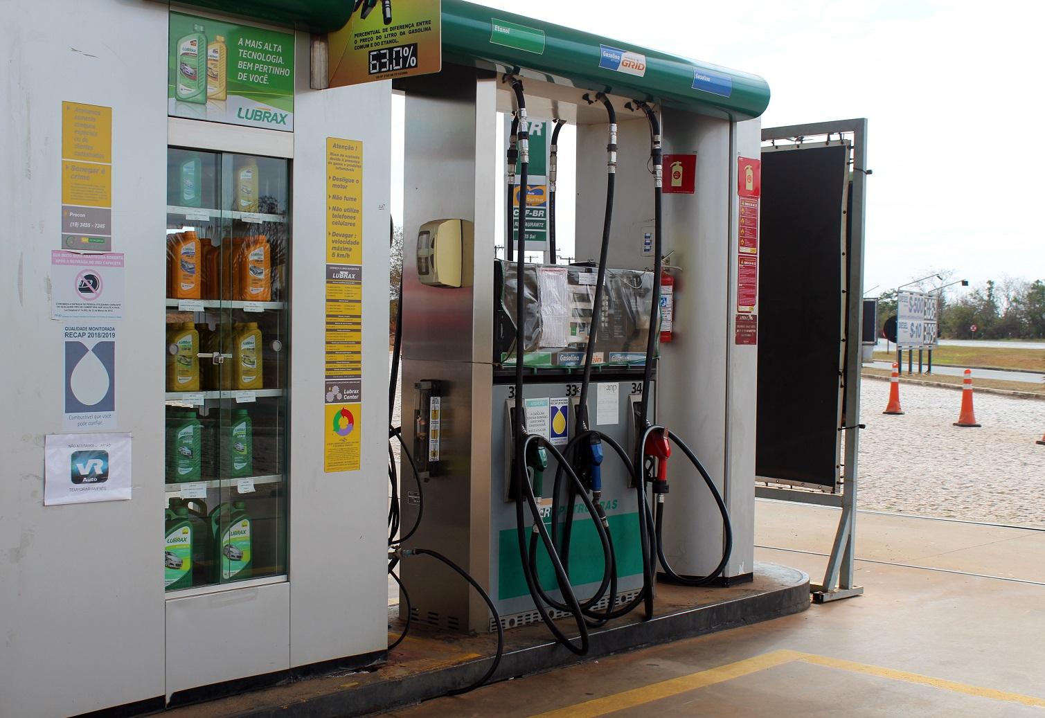 percentual para escolher entre etanol ou gasolina na bomba do posto pode chegar a 75 por cento
