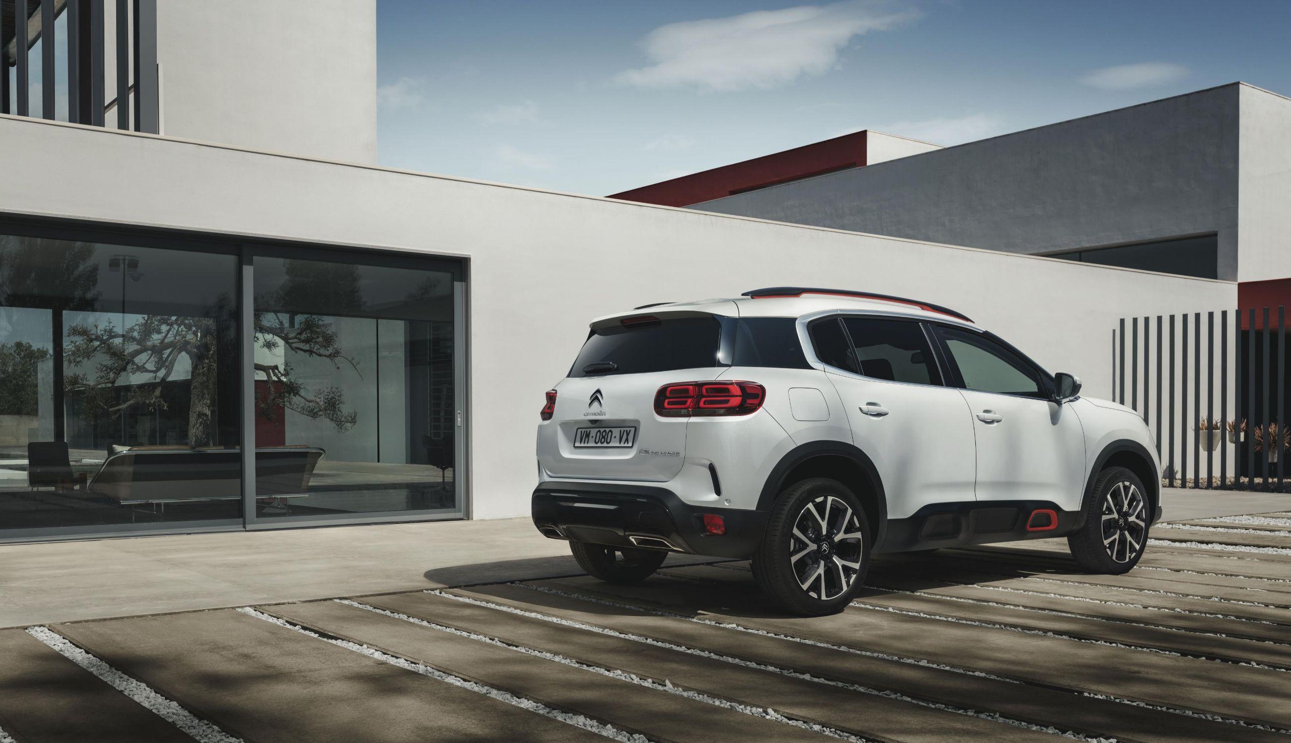 A Citroën apresentou, no Salão de Paris, o C5 Aircross. SUV que compartilha a plataforma com o 3008 chega no Brasil no final de 2019.