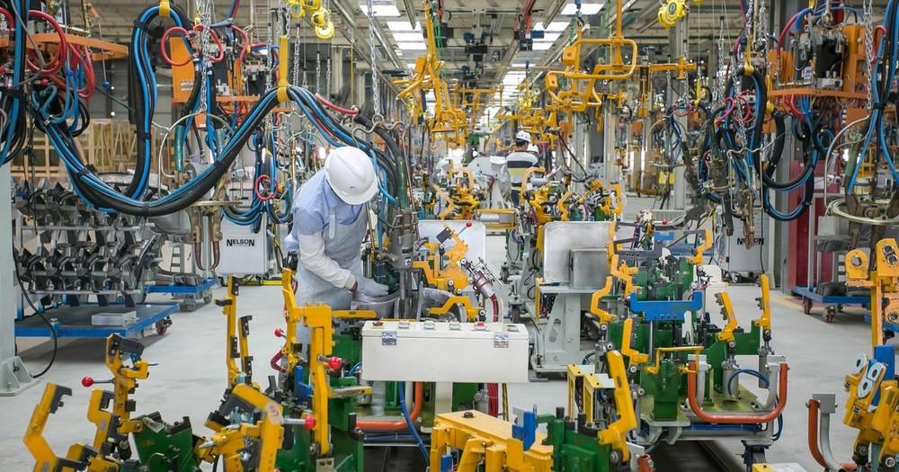 Fábrica da Caoa Chery em Jacareí volta a operar normalmente e dá início à produção do novo sedã Arrizo 5. Marca ainda promete mais dois modelos.