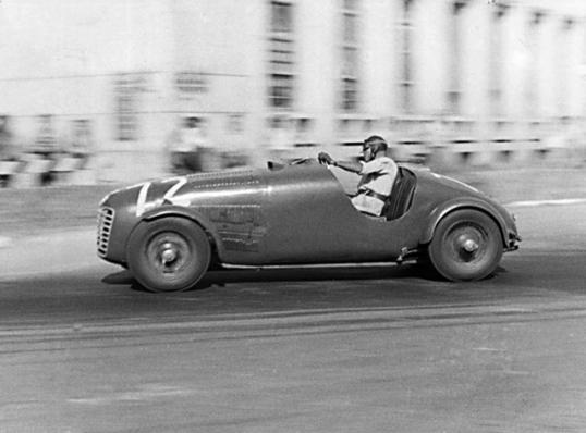 Conhecer bem o universo automobilístico inclui saber que Eike Batista já fundou uma fábrica de carros e que Clodovil já deu origem a uma versão do Monza.