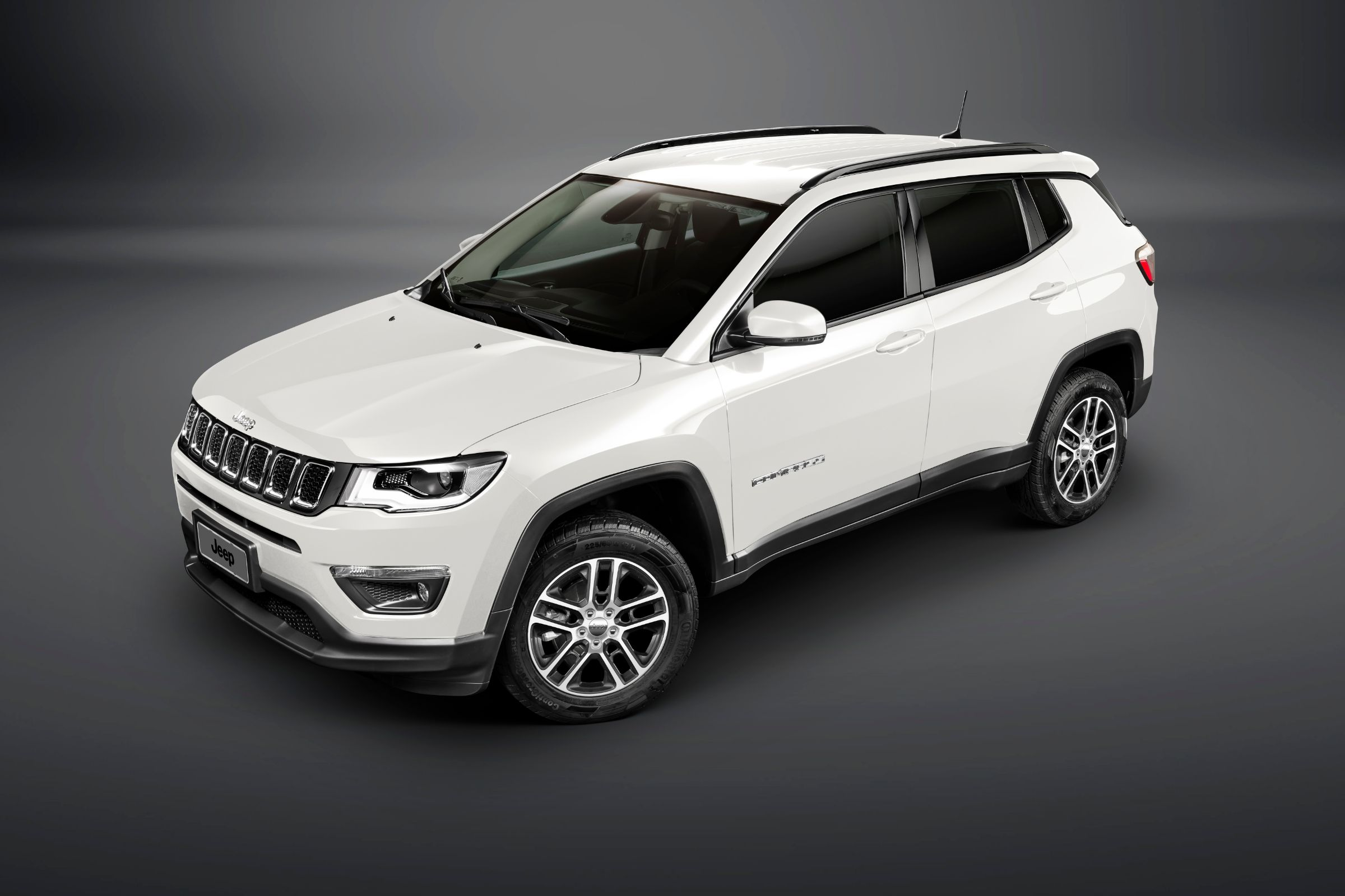 Mercado automobilístico segue em alta; Fenabrave listou os modelos mais emplacados em outubro de 2018, saiba quais foram os carros mais vendidos no país.