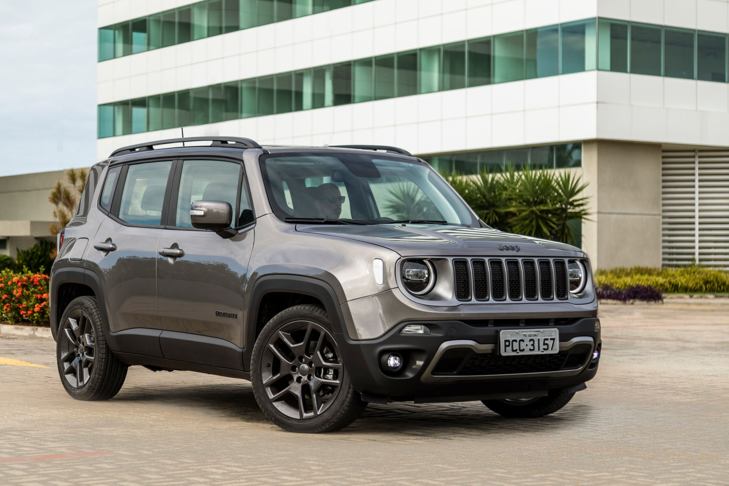 jeep renegade limited 010