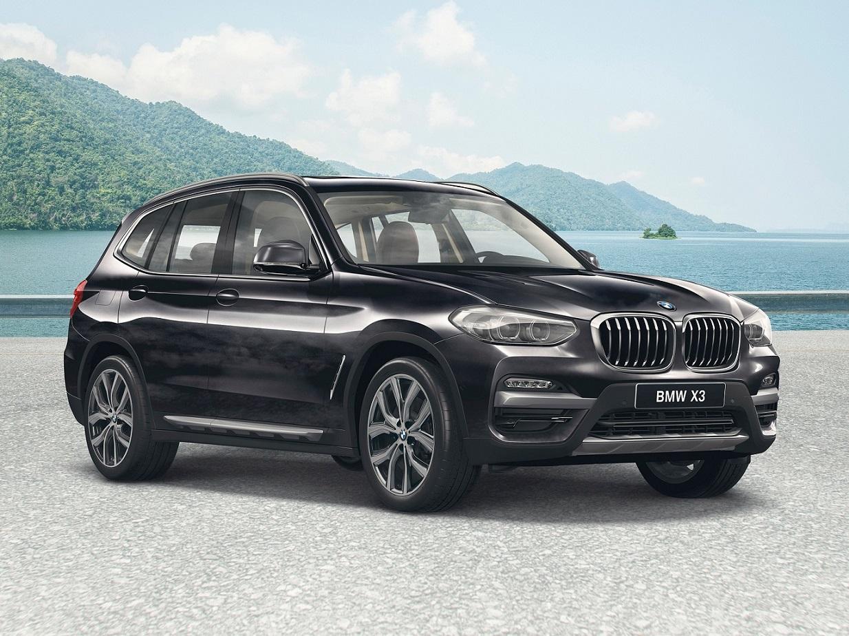 BMW X3 agora oferece para os consumidores brasileiros a versão xDrive 20i X Line, capaz de entregar 184 cavalos e 29,5 kgfm de torque.