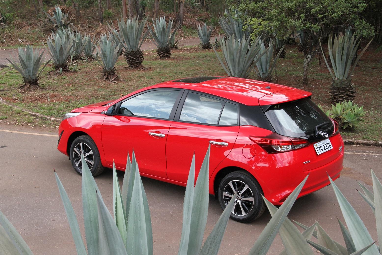 Toyota Yaris hatch, na versão XLS, a mais equipada da gama, tem bons atributos dentro do segmento de compactos