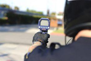 radar pistola multa tipos de radar shutterstock 84574804