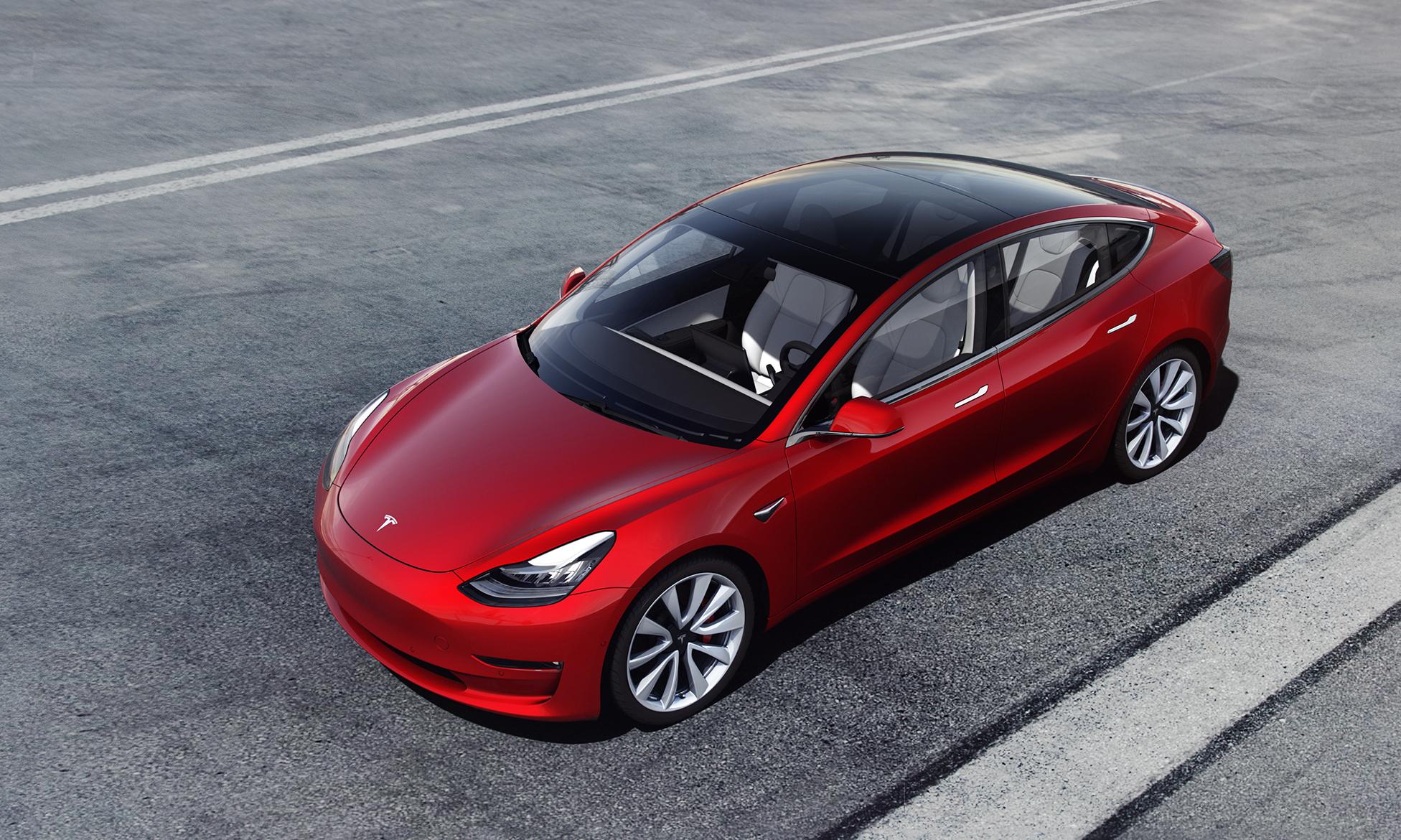"""Documentos obtidos pela Reuters mostram que órgãos dos Estados Unidos não estão de acordo com """"propaganda"""" de Elon Musk sobre o Tesla Model 3"""