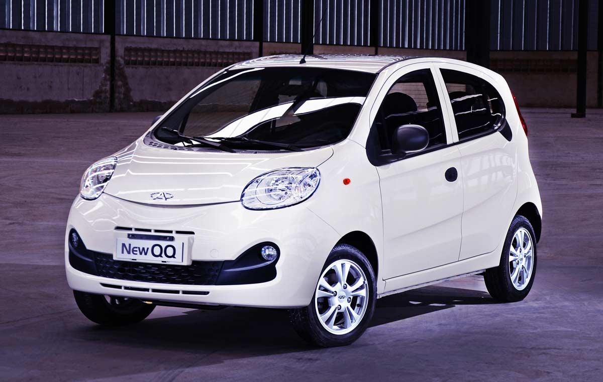 carros pequenos: chery new qq