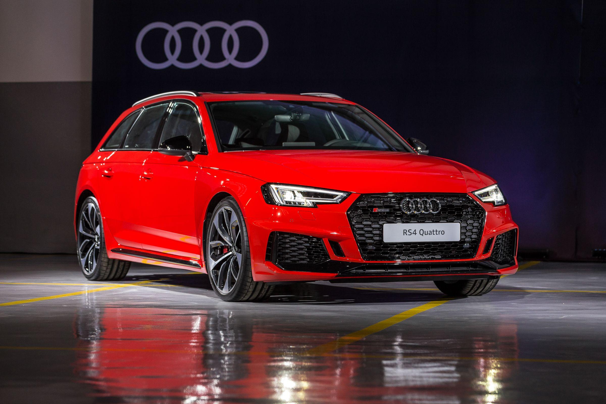Audi apresenta, no Salão do Automóvel de São Paulo, o novo RS 4 Avant. Modelo que entrega 450 cavalos chegará às ruas brasileiras em 2019.