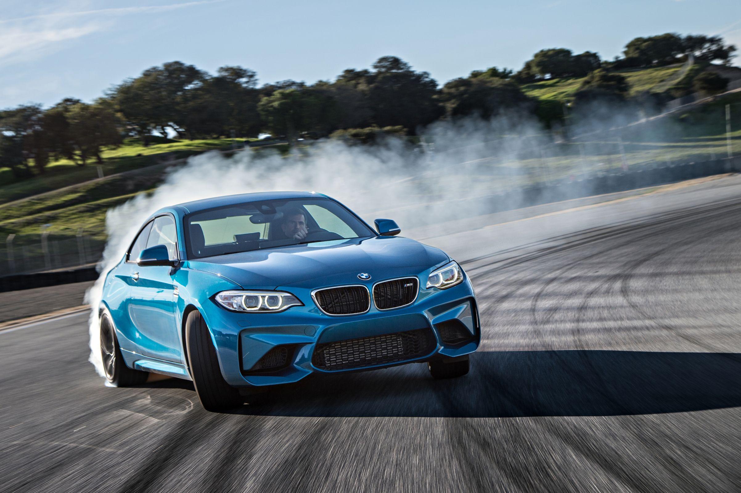 BMW M2 tem desempenho incrível, mas preço é alto no Brasil