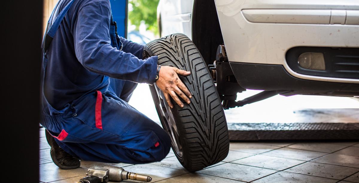 pneus maiores carro roda suspensao shutterstock 392475040