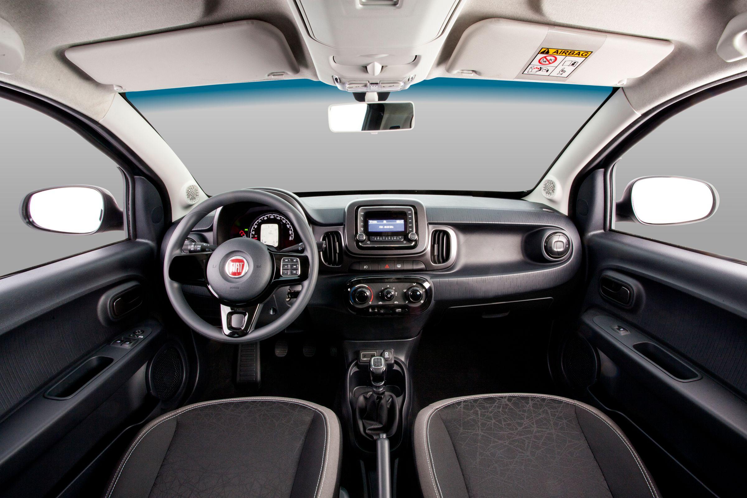 Fiat Mobi Way tem acabamento em tons escuros