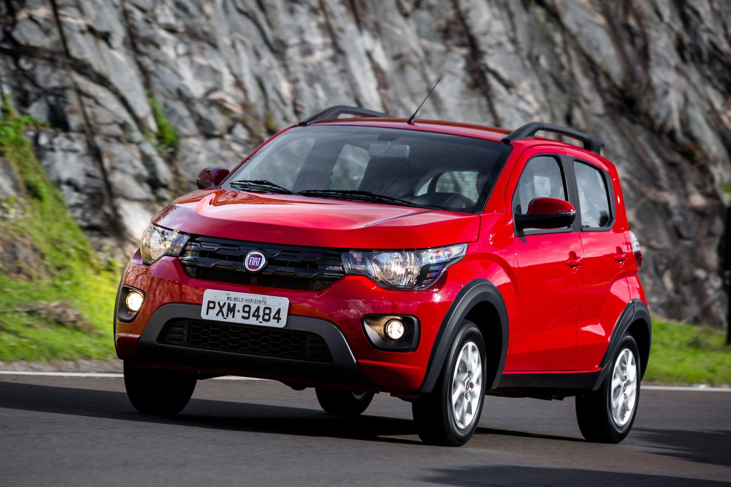 Fiat Mobi Way On encara o Renault Kwid Zen