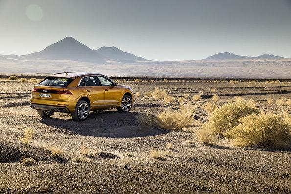 Audi Q8 será apresentado no Salão do Automóvel de São Paulo. SUV, que entrega 340 cv e 50.9 kgfm de torque, chegará às ruas brasileiras em 2019.