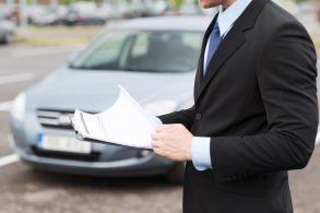 """Carro usado? Verifique se tem luz de alerta que não acende por """"maracutaia""""..."""