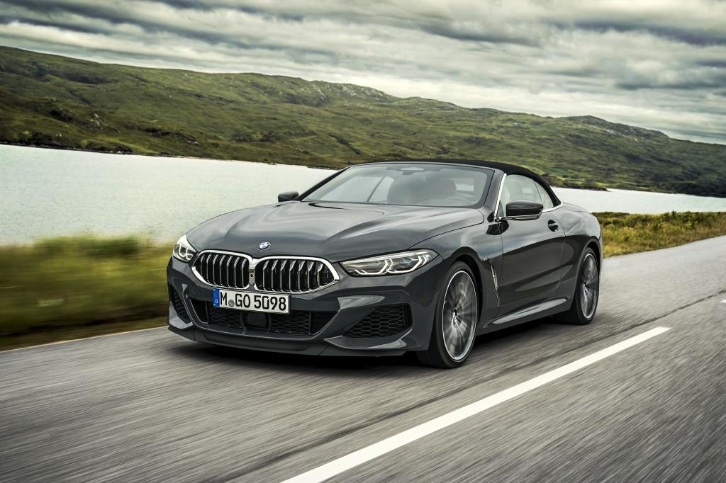 Configuração do cupê de alto luxo, o BMW Série 8 Conversível foi revelado a nível global - lançamento ocorrerá no ano que vem.