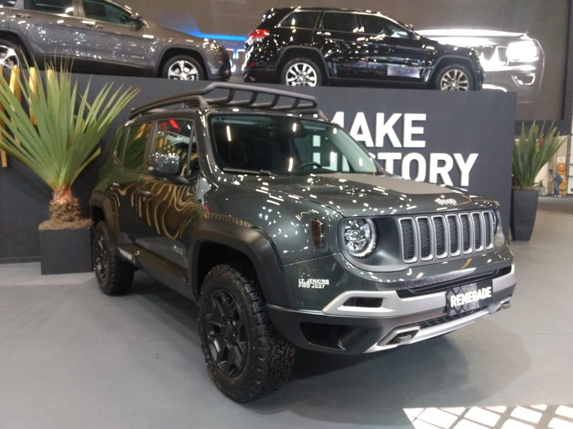 Jeep no salão