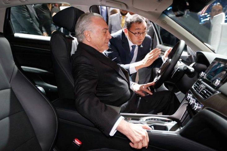 presidente temer assina rota 2030 no salao do automovel de sao paulo foto agencia brasil