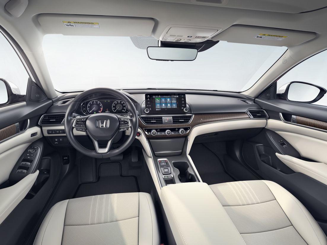 Totalmente reprojetado, Honda Accord trocou o motor V6 3.5 por um 2.0 turbo de quatro cilindros