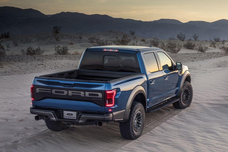 Ford Raptor é um verdadeiro gigante na terra capaz de vencer obstáculos quase intransponíveis