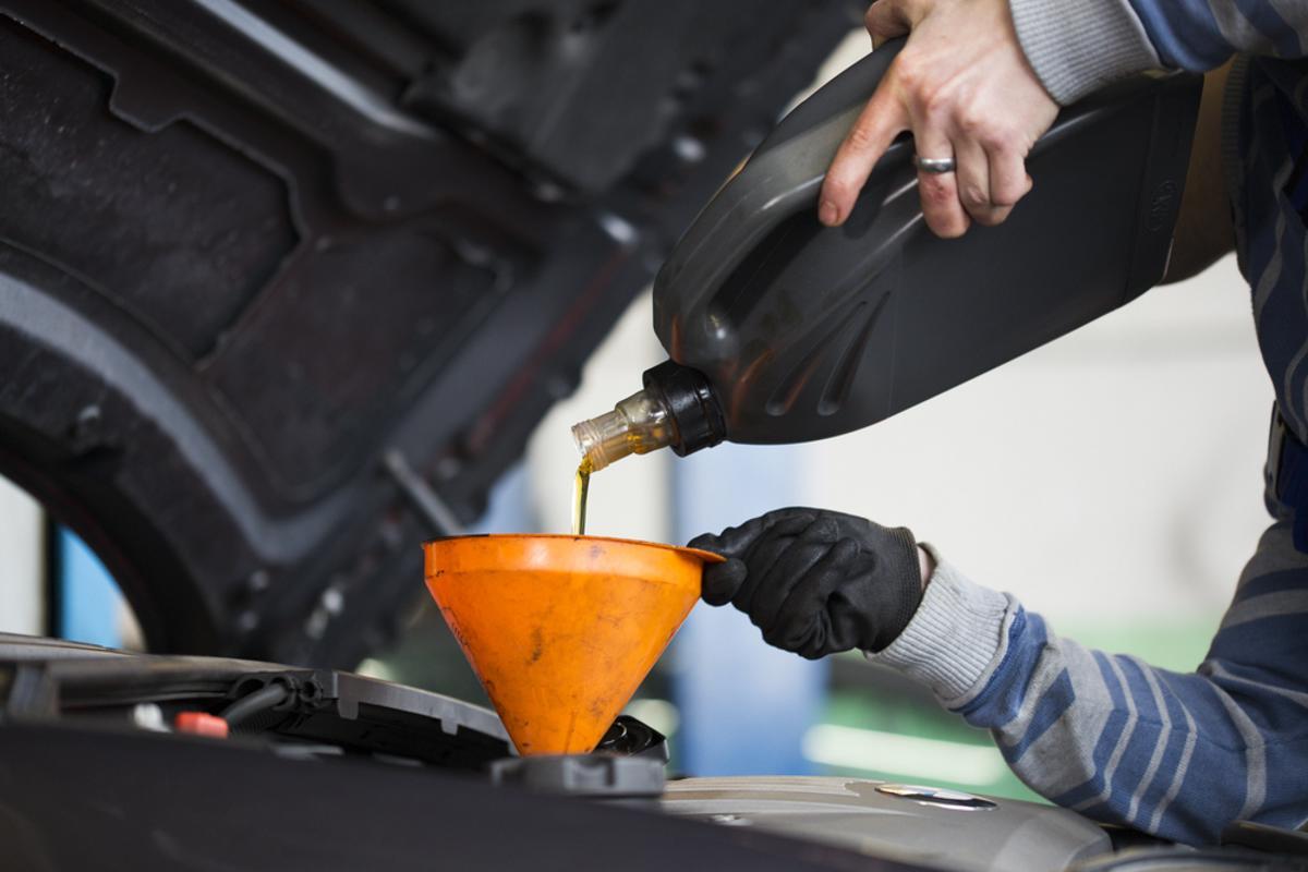 troca de oleo motor carro shutterstock Evolução tecnológica