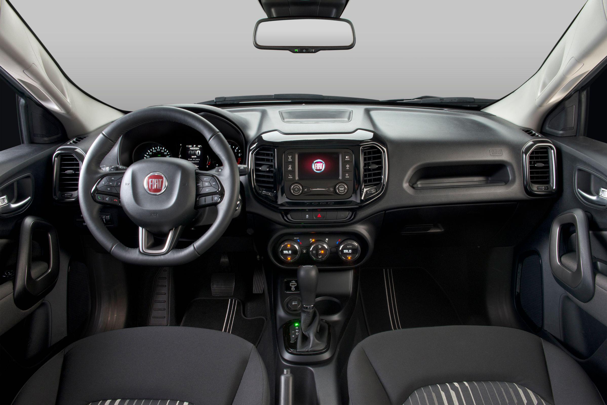 A posição de dirigir agrada na Fiat Toro Freedom