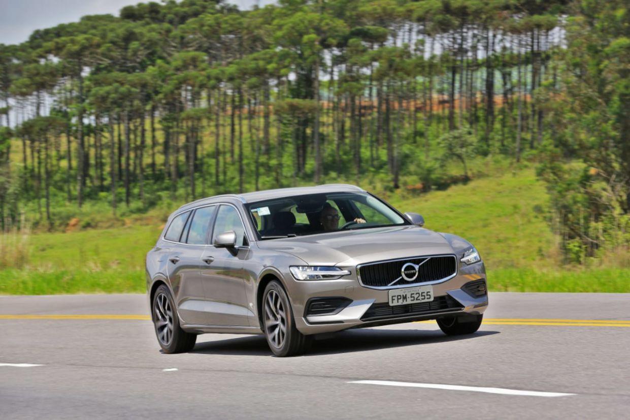 Volvo V60 é uma das poucas peruas ainda a venda no Brasil