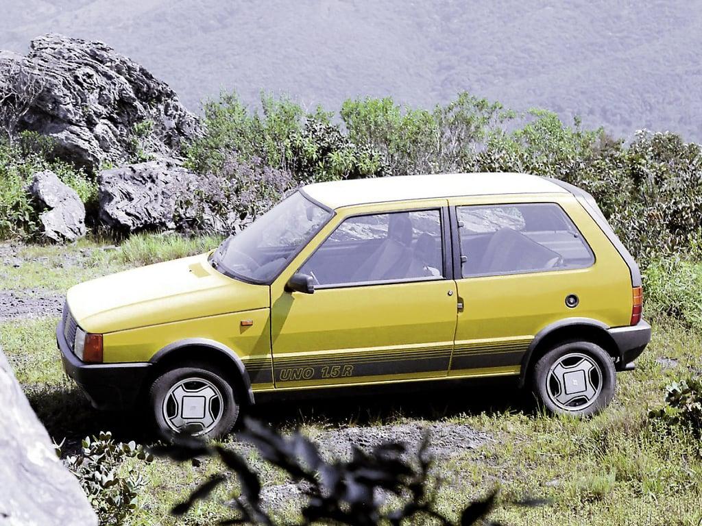 carros esportivos nacionais: Fiat Uno 1.5 R