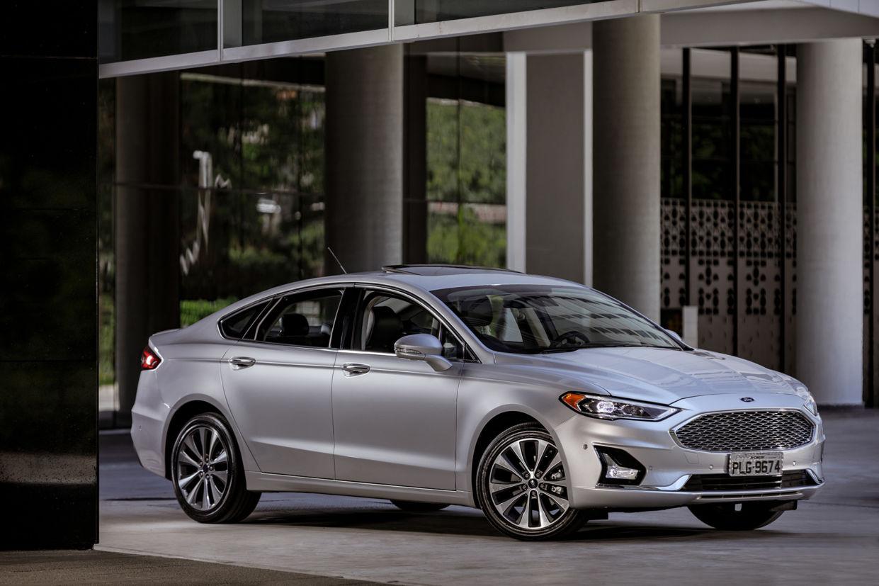 ford-fusion-2019-titanium-1241x827 Carros que vão sair de linha em 2020: listamos todos eles
