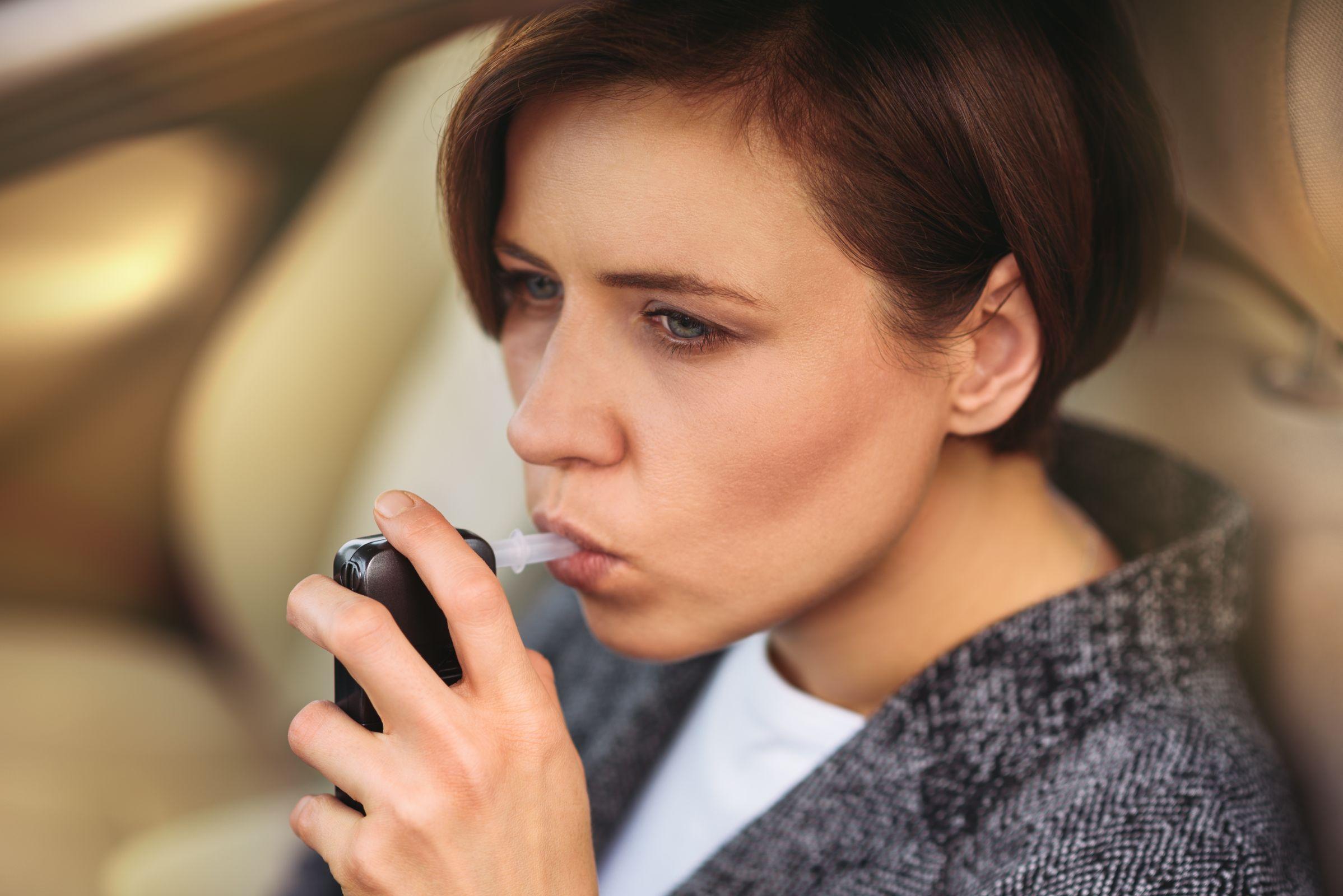 Secretaria Nacional de Políticas sobre Drogas afirma que além do bafômetro, os motoristas agora terão que fazer testes que revelam o uso de entorpecentes.