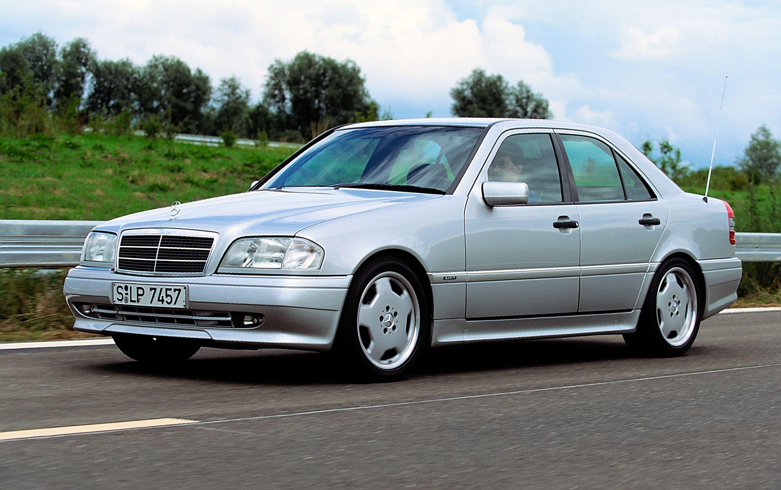 Mercedes-Benz C36 AMG tinha motor V6 3.6
