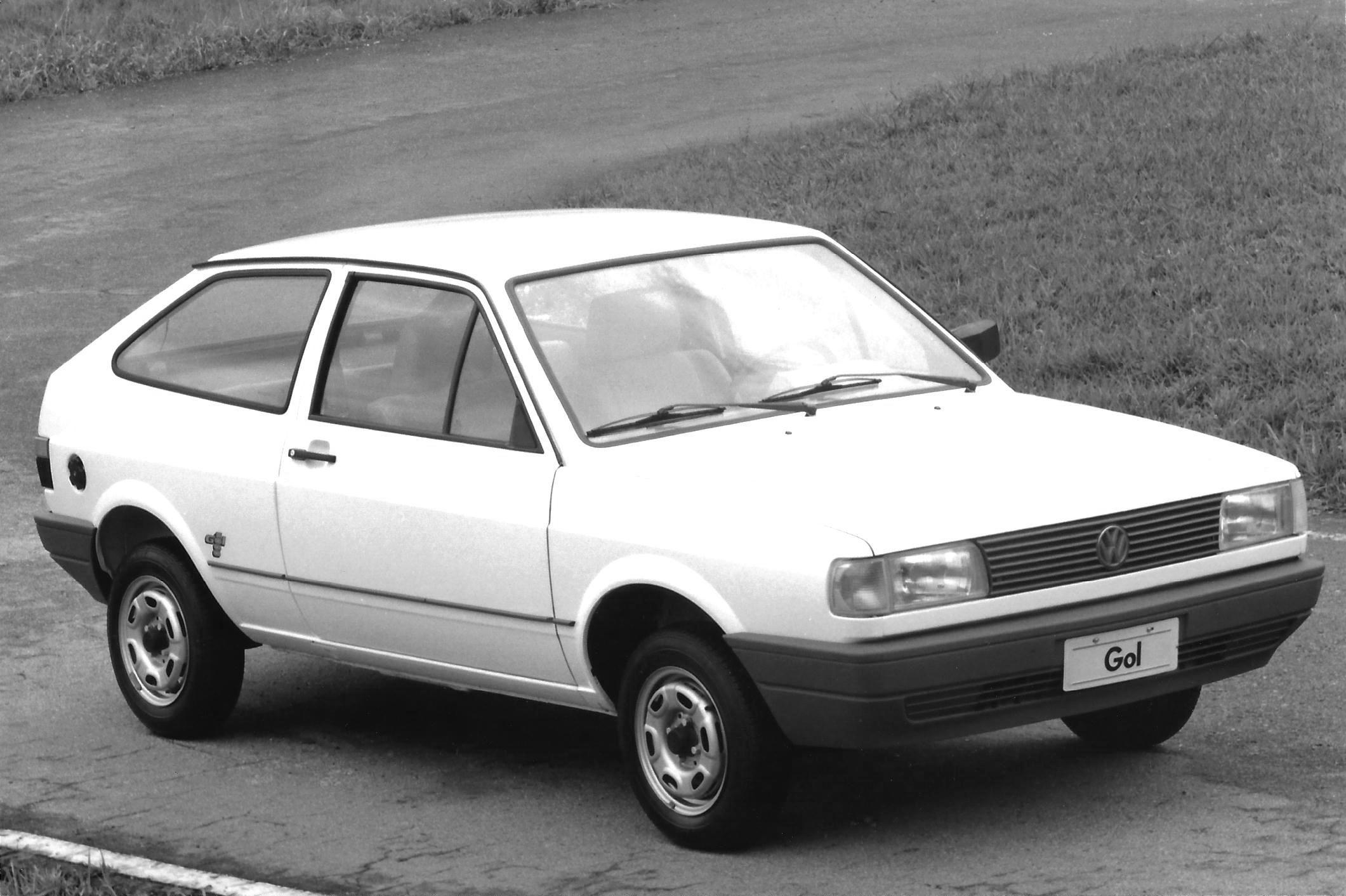 "VW Gol 1000 tinha pneu ""corta bosta"""
