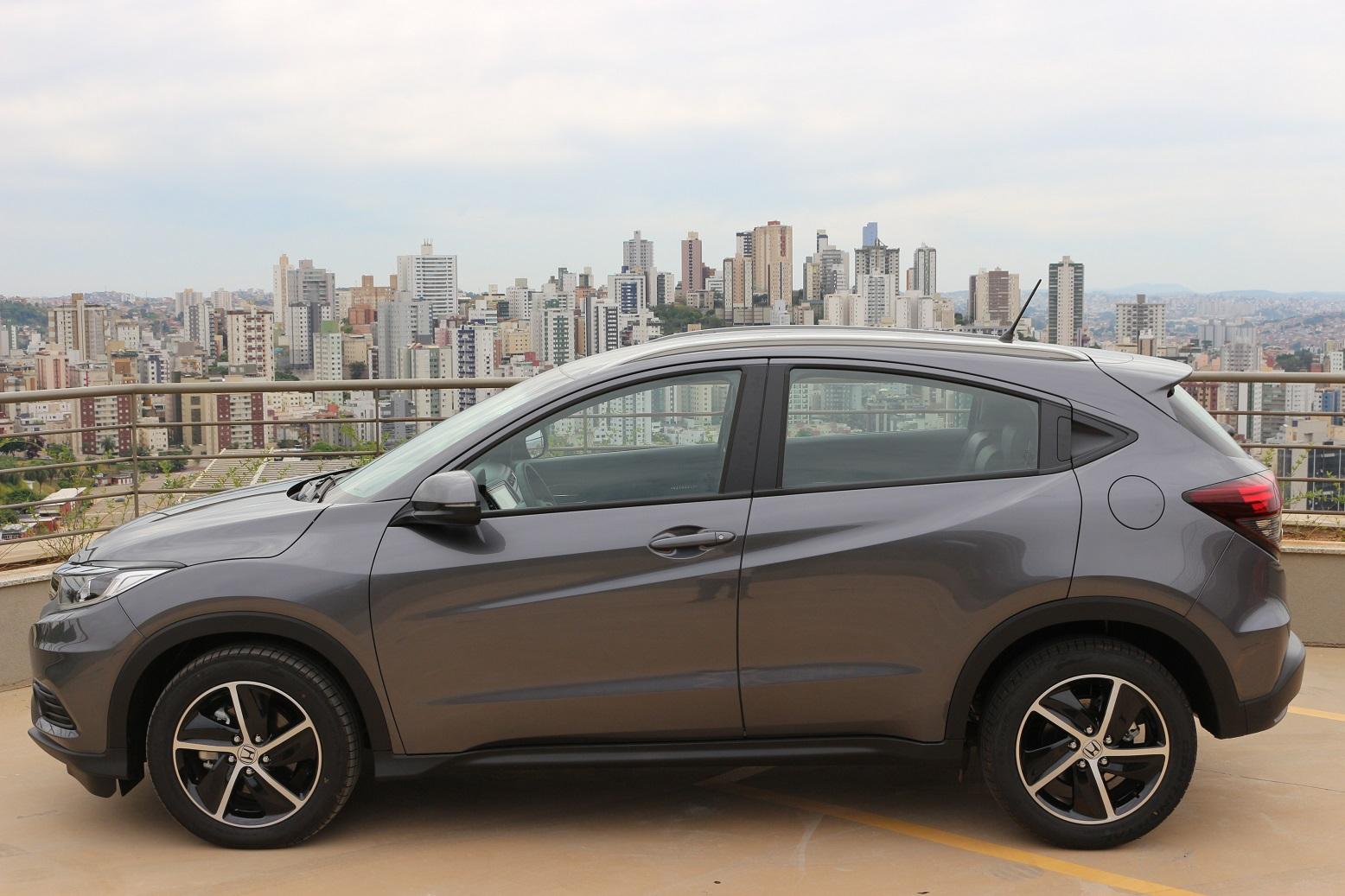 Honda HR-V EXL tem bom espaço interno