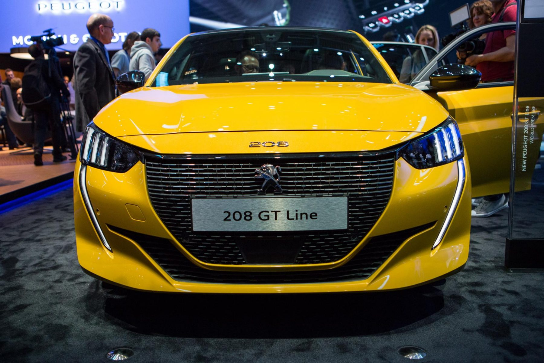 peugeot new 208 2019 gims geneva  mg 1563