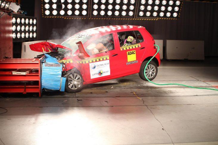 teste de impacto volkswagen fox 8