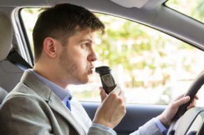 Bafômetro pode virar equipamento obrigatório em automóveis