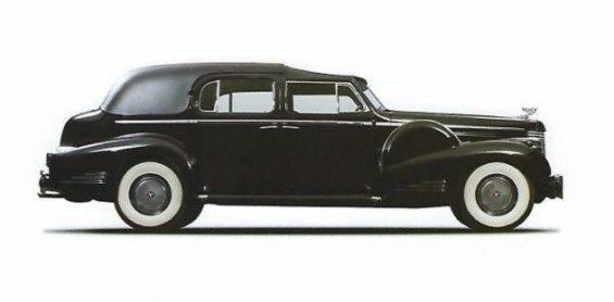 cadillac v16 limousine town car de 1938 fazia parte da frota do vaticano. a cardinal and pope pius xii used the car on many occasions nicola bulgari