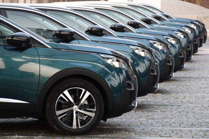 carro clonado peugeot 5008 shutterstock