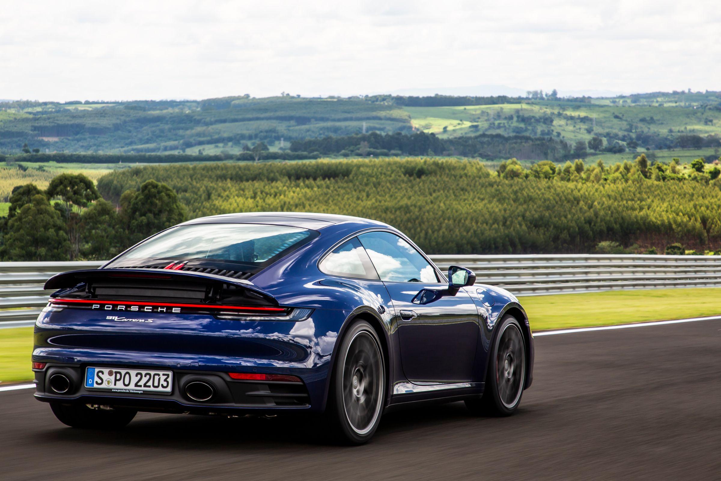 Porsche 911: oitava geração está mais potente