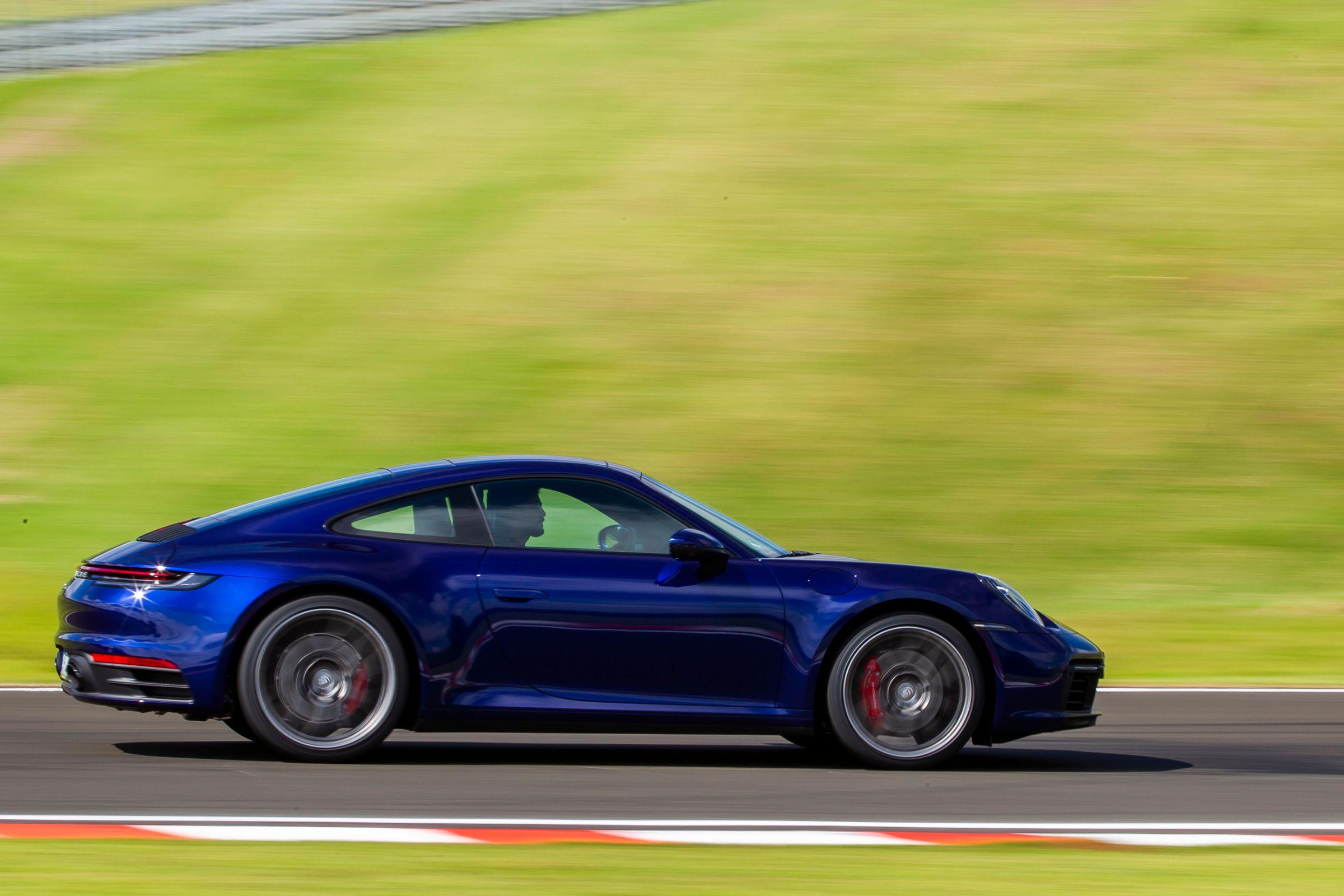 Novo Porsche 911: primeiras unidades chegam em maio