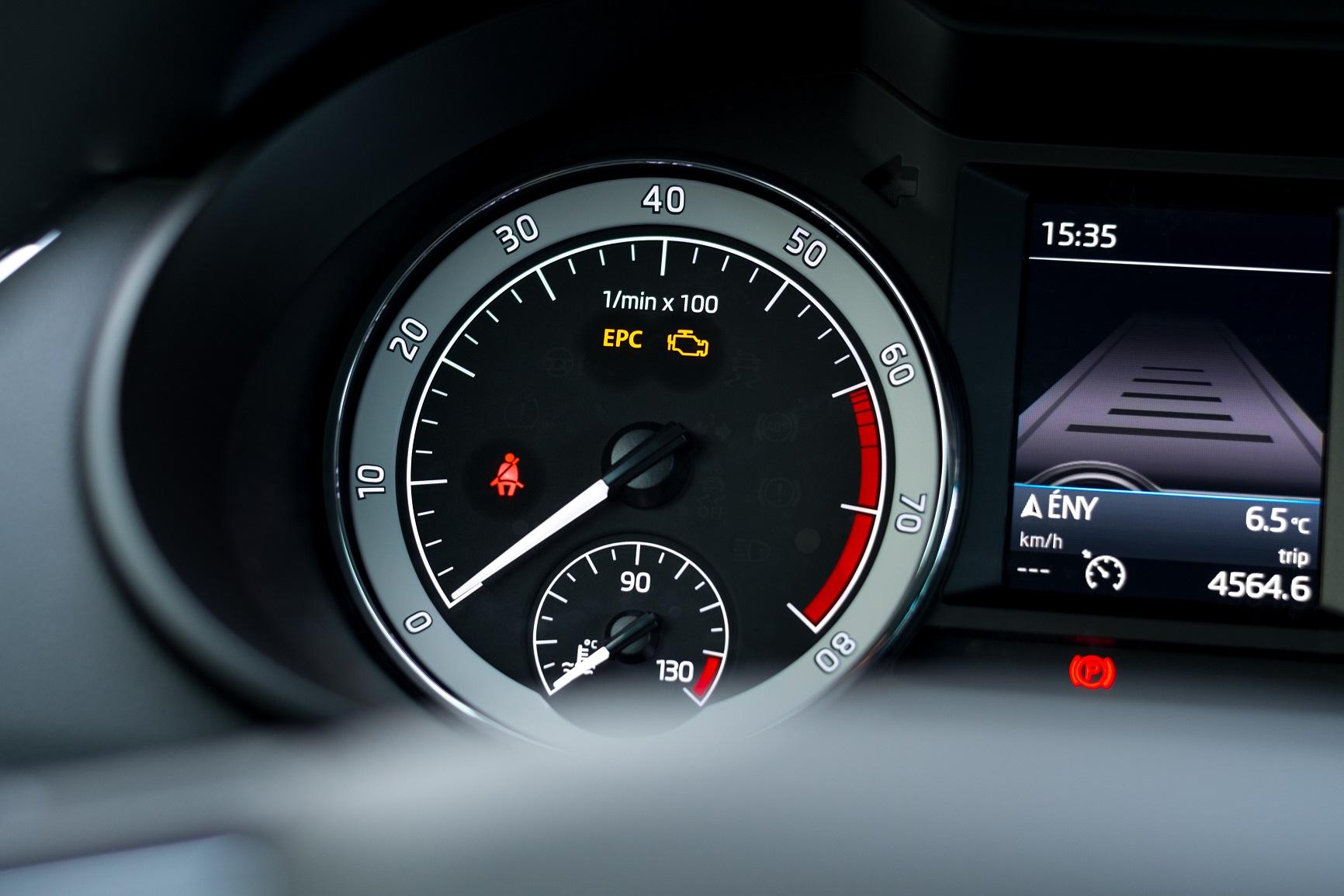 luz do epc acesa no panel do carro