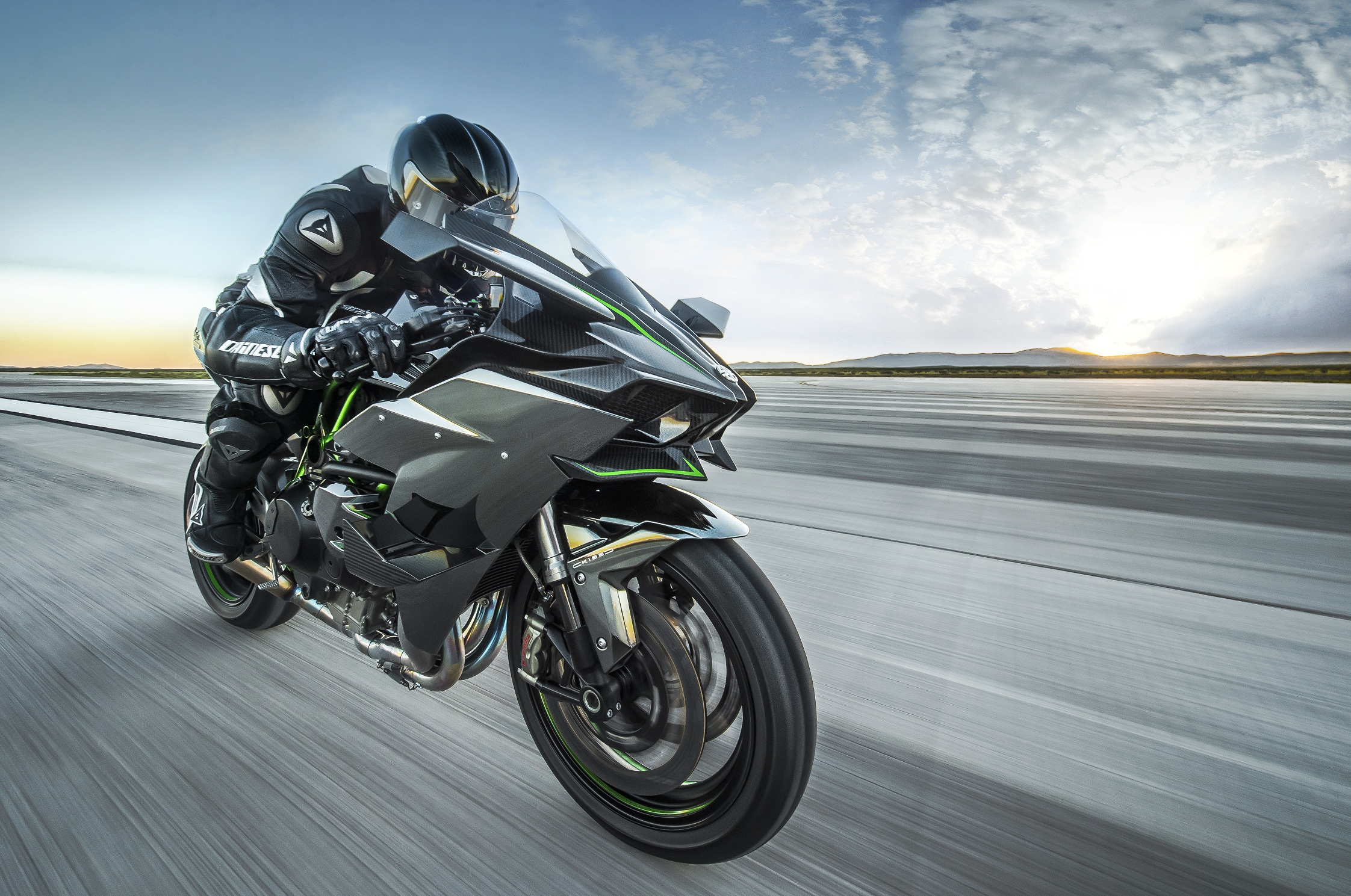 Kawasaki Ninja H2R: desempenho brutal
