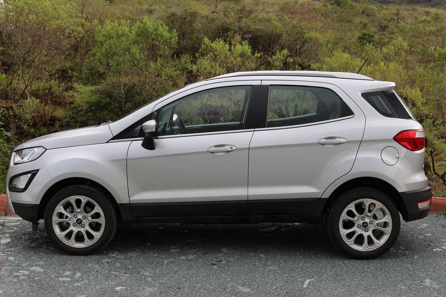 Ford EcoSport Titanium tem pneu run flat