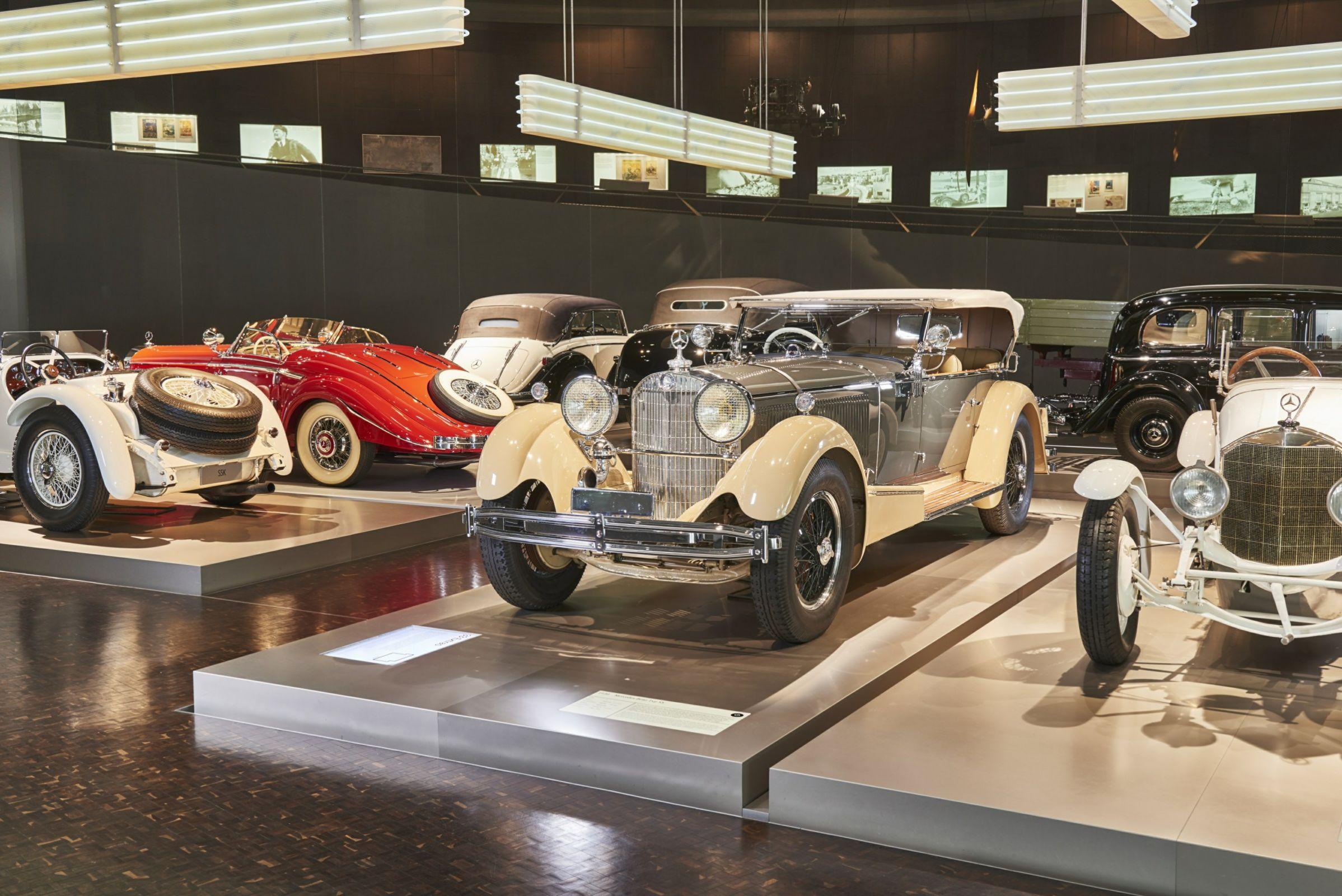 O Museu da Mercedes, na Alemanha, tem 160 veículos que recontam a história do carro desde sua invenção, e ainda tem o maior tornado artificial do mundo.
