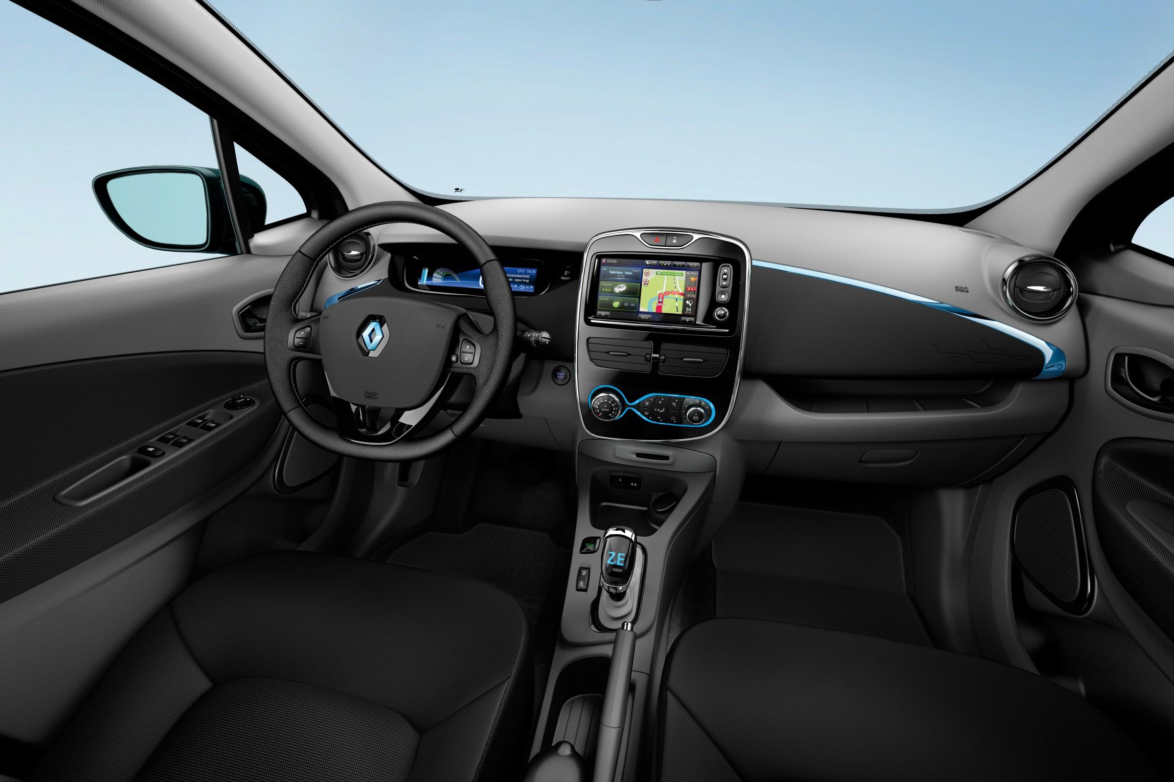Dei uma volta no Renault Zoe e conto todos os diferencias de dirigir um elétrico, desde o torque imediato até a independência dos postos de combustível.