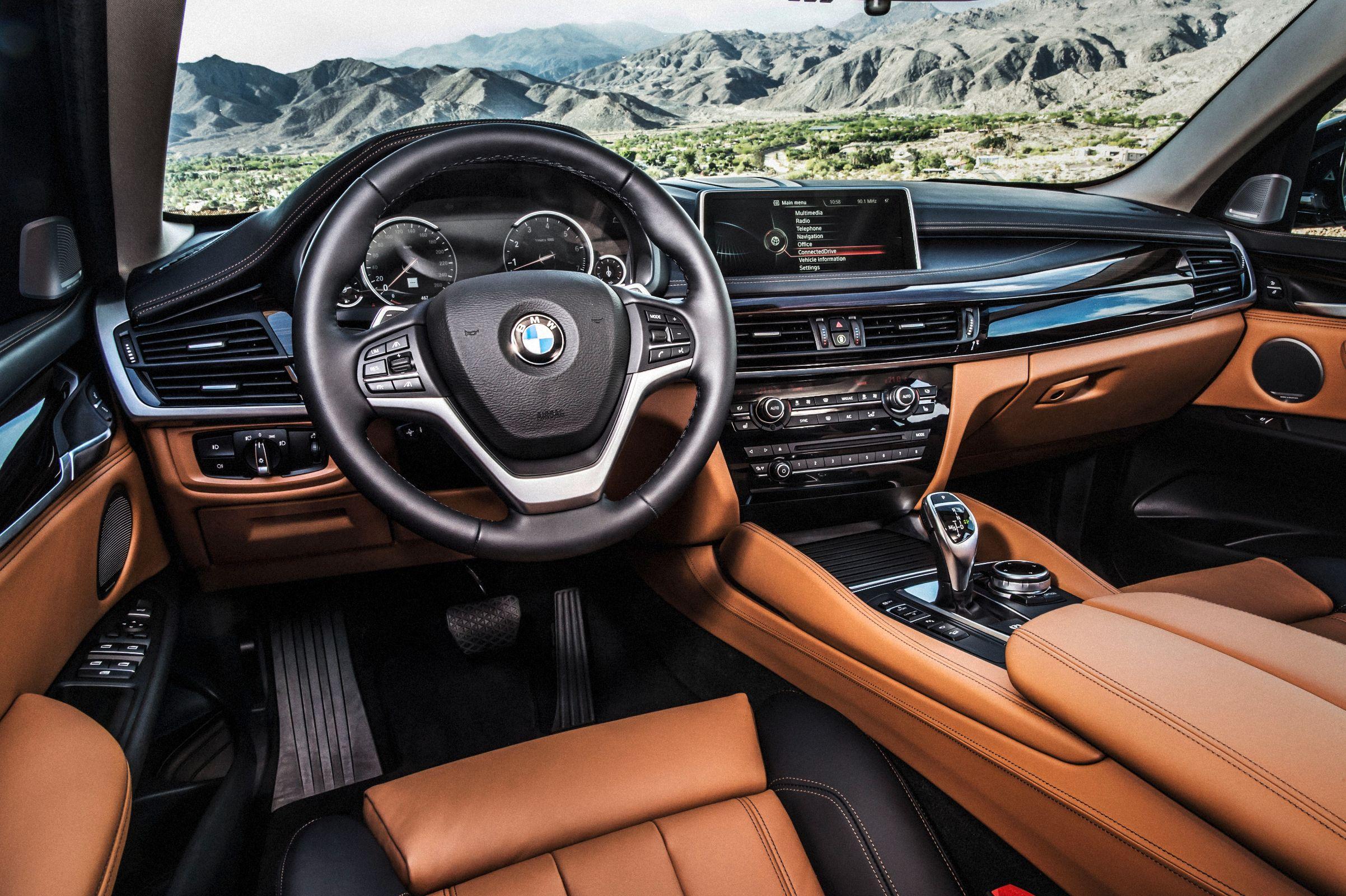 BMW X6: interior é luxuoso