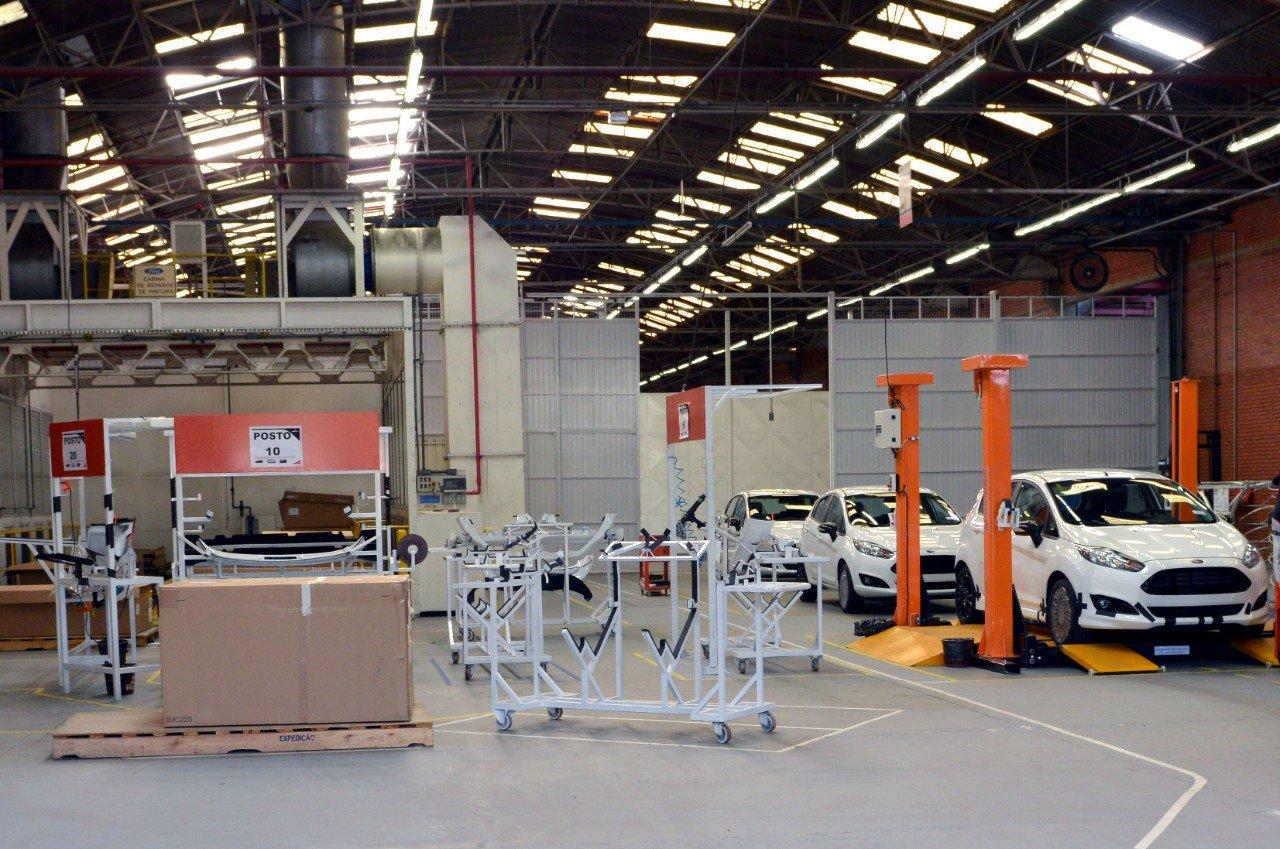 Acordo da Ford com trabalhadores envolve Plano de Demissão Incentivada (PDI), cursos de requalificação e possível recontratação por comprador da fábrica.