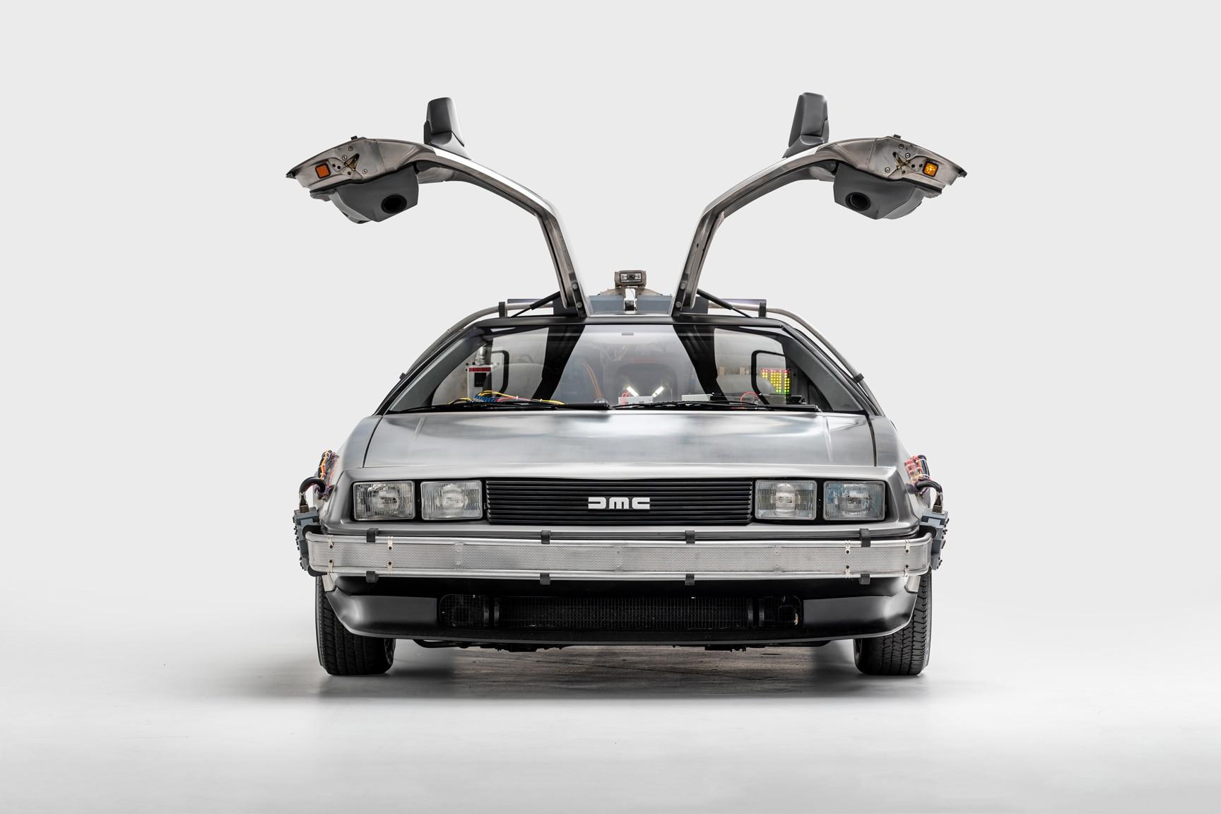 Mostra do Petersen Museum tem carros de filmes de fantasia e ficção científica que marcaram o imaginário, como Batmóvel, DeLoren e até a moto de Tron.